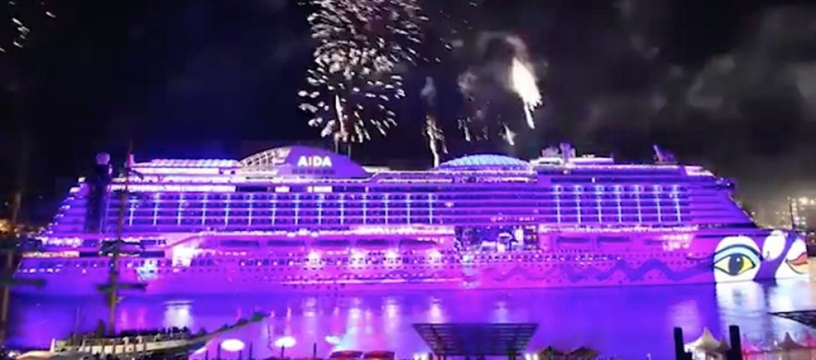 Be Hypnotised By This Timelapse of a Cruise Ship Being Constructed